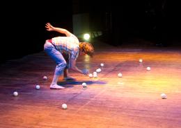 Five ball juggling blog